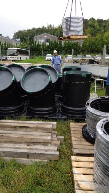 水道工事 材料搬入